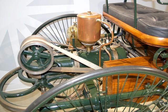 Petersen Auto Museum. Benz Patent Motorwagen motor DSC_0563