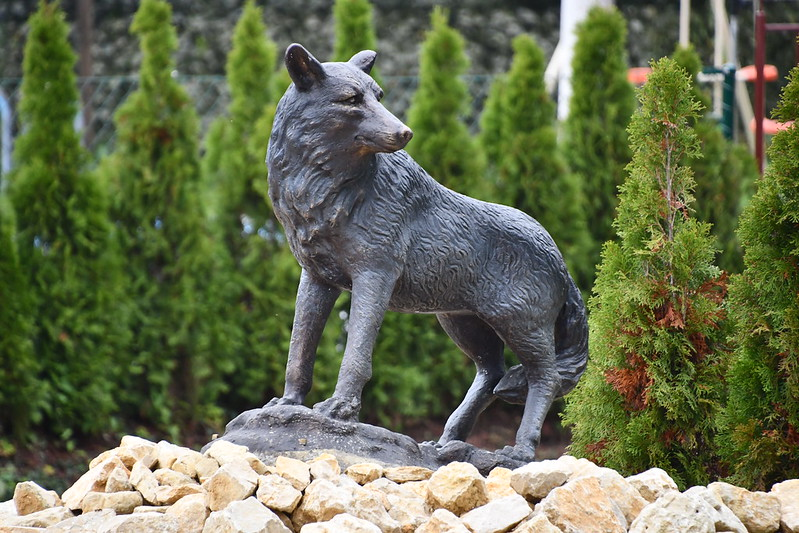 Statue of Dog in garden 20.10.2019