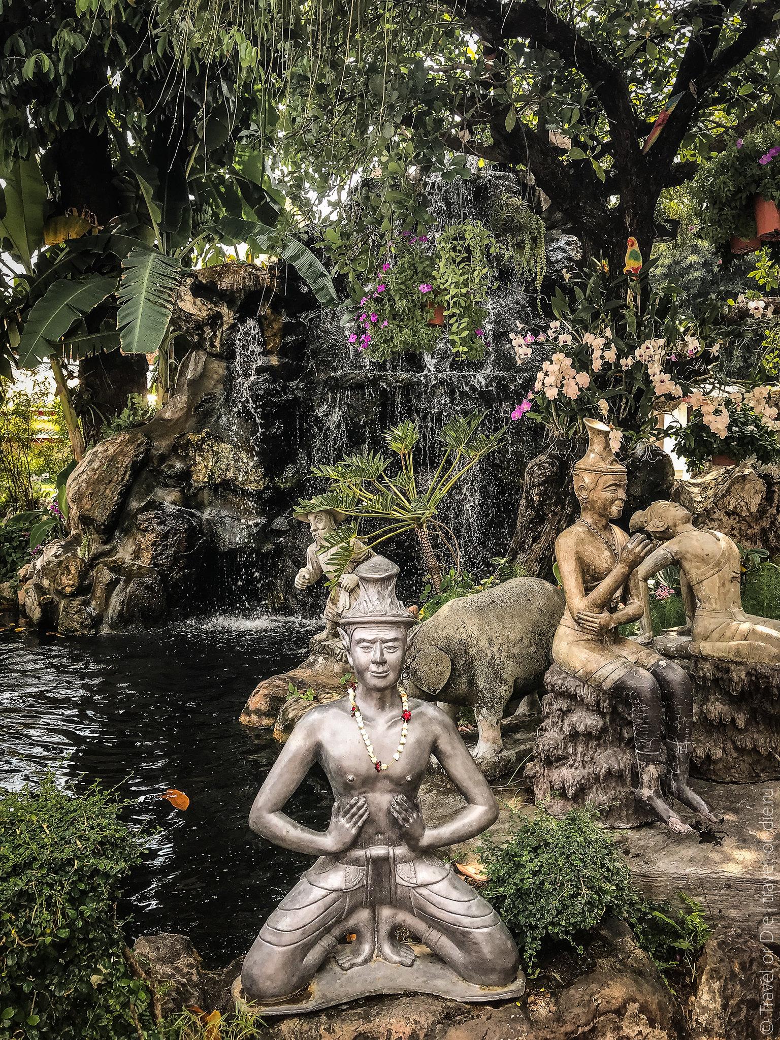Wat-Pho-Bangkok-Храм-Лежащего-Будды-9125