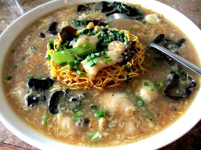 Cafe Cafe Cantonese seafood yee mee