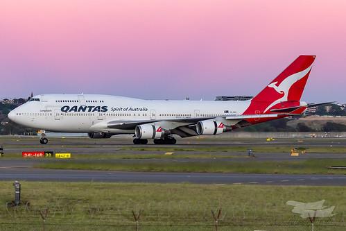 sydney newsouthwales australia qantas qf boeing b747 syd yssy sydneyairport dawn sunrise