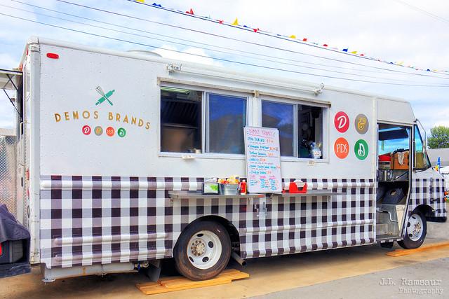 Demos' Food Truck - Wilson County Fair 2019 - Lebanon, Tennessee