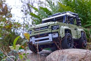 Motorized Land Rover Defender 42110