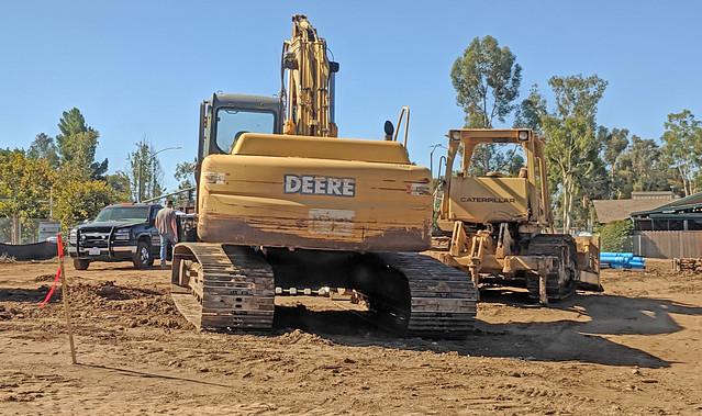 Bulldozer And Excavator 10-7-19 (2)
