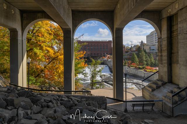 Under The Bridge Vista