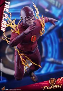 影集版的世界最速之男駕到! Hot Toys - TMS009 -《閃電俠》閃電俠 The Flash 1/6 比例人偶作品