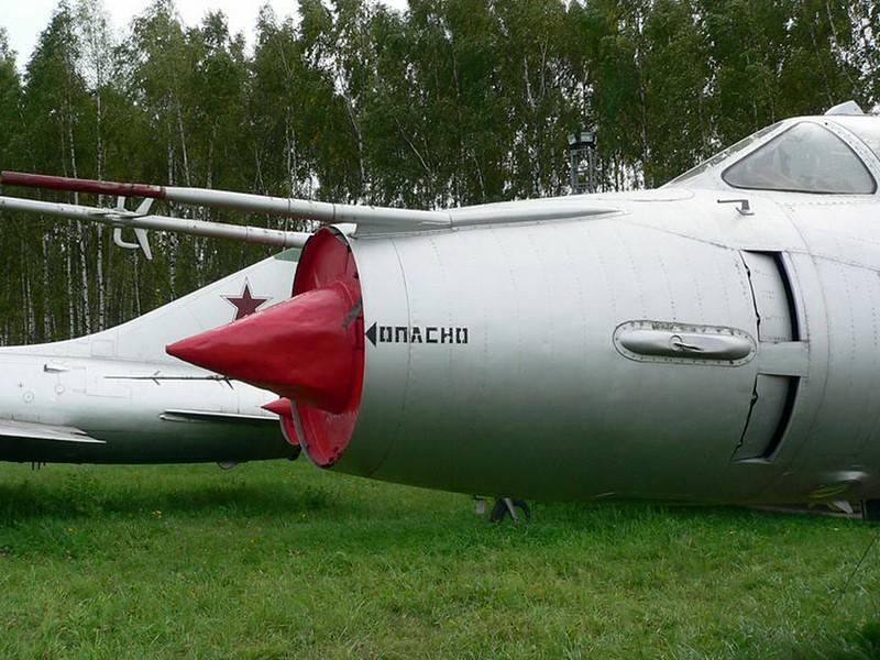 Sukhoi Su-17M3 3