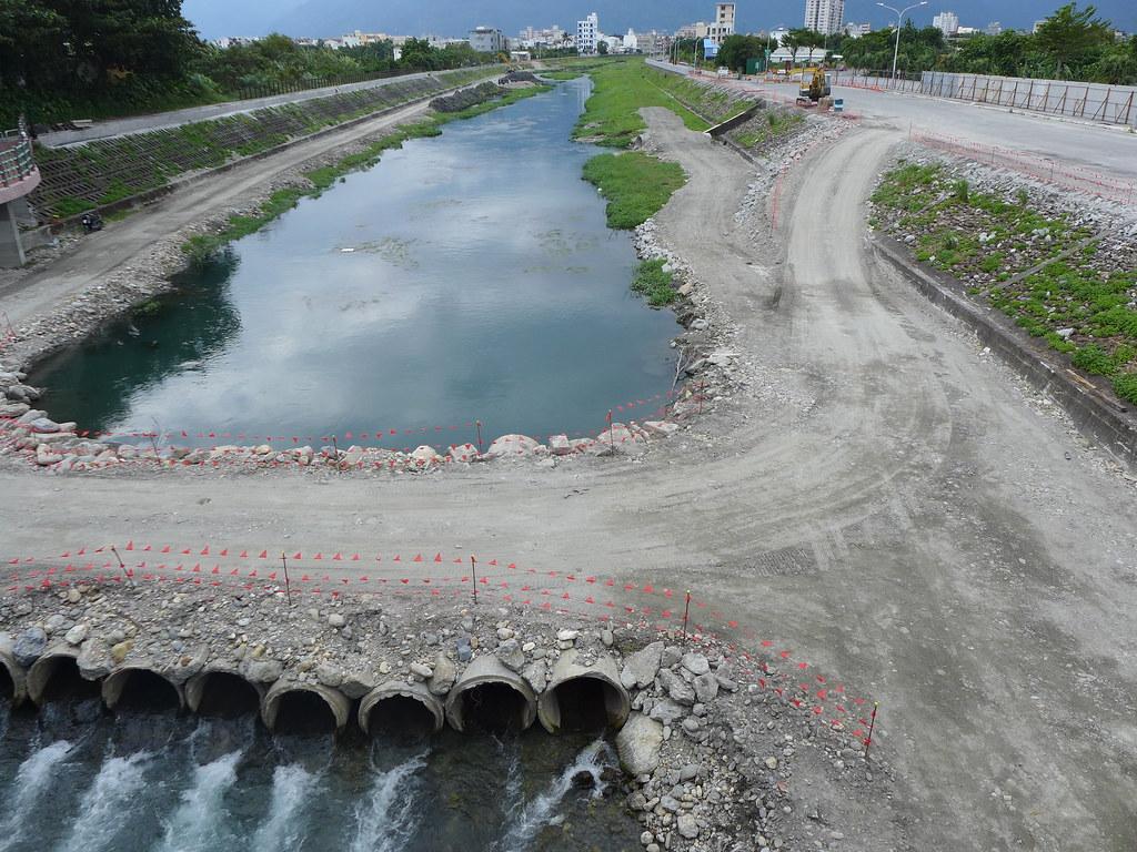 河川整治牽涉到上中下游、諸多部門與不同單位的協力。吉安溪,孫文臨攝