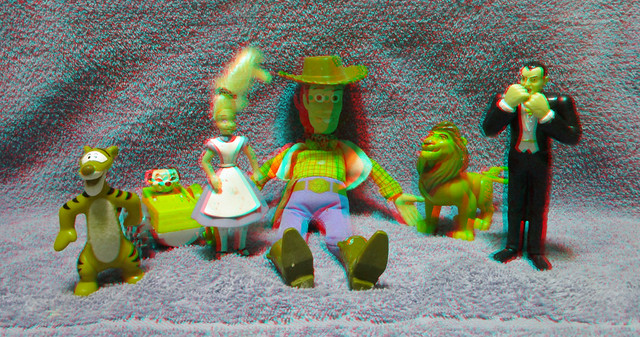 MCDONALDS HAPPY MEAL TOYS 80S AND 90S 3D RED CYAN ANAGYLPH-4