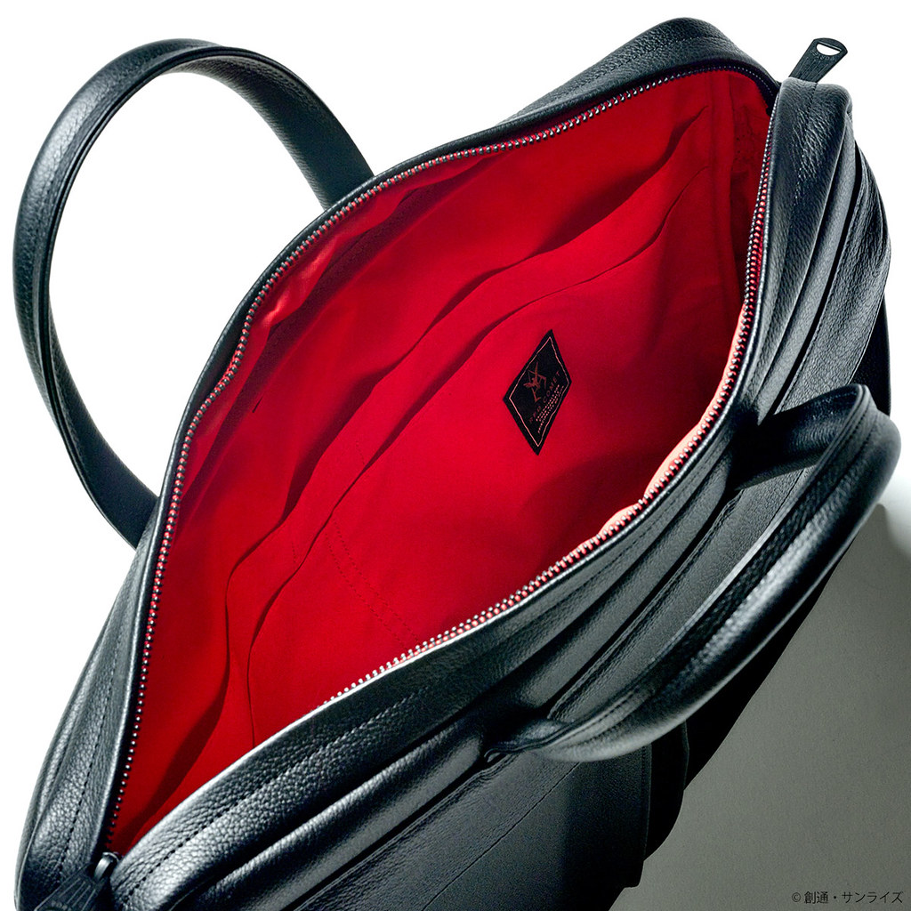 《機動戰士鋼彈》40週年聯名紀念!STRICT-G × PORTER 紅色彗星夏亞 三款皮革商務包(赤い彗星モデル)質感登場