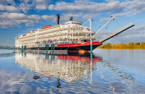 americanempress columbiariver richland rivercruise washington unitedstatesofamerica riverboat