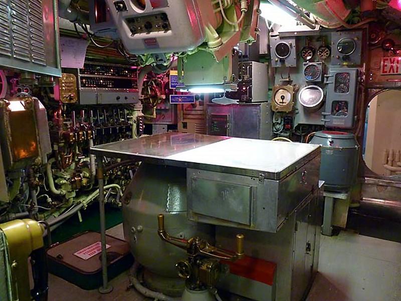 USS Requin 11