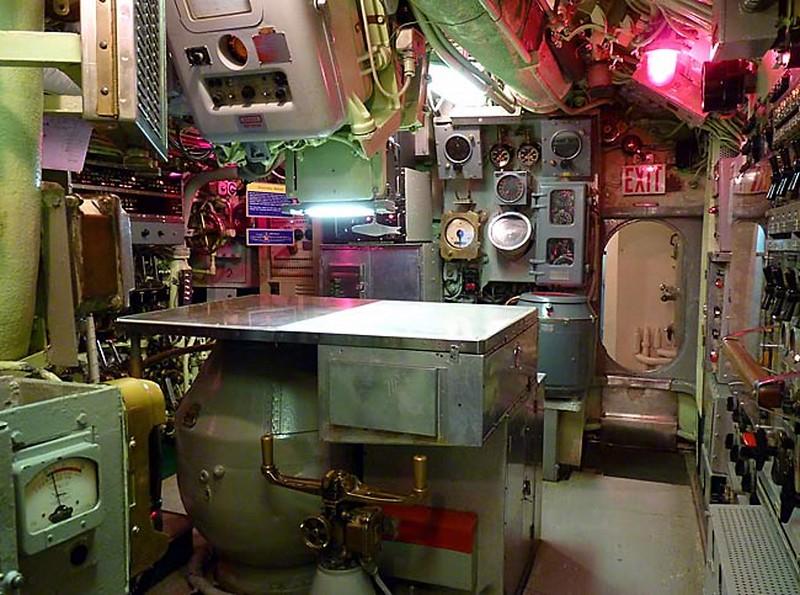 USS Requin 5