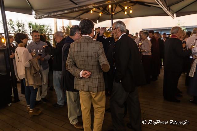 Vino ofrecido en el Hotel España previo a la Comida del VII. Capitulo de la Cofradía del Desarme de Oviedo, Principado de Asturias, España.