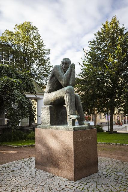 Larin Kyöstin patsas, Hämeenlinna, Finland