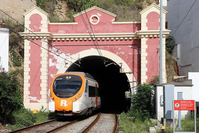 Renfe 464 240 Sant Pol de Mar (E) 16 september 2019
