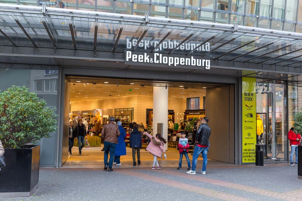 Peek & Cloppenburg Shoppingcenter in Köln von außen