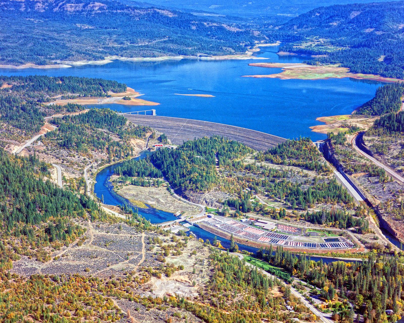 photo of Lost Creek dam