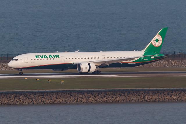 EVA AIR B787-10 DREAMLINER B-17802 001