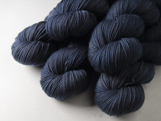Favourite Sock -Pure Merino Wool superwash hand dyed yarn 4 ply/fingering 100g – 'Jean Genie'