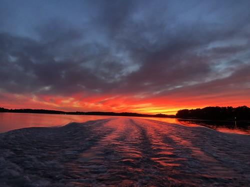 lakenorman northcarolina sunset america boat yacht waves dusk mooresville catawba nightsky redsunset charlotte horizon
