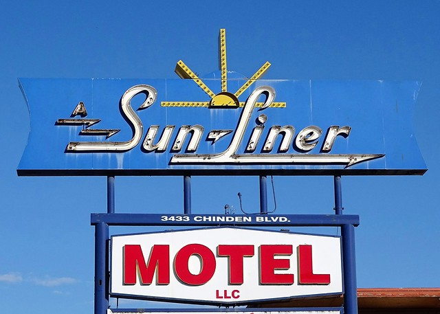 ID, Boise-U.S. 20 SunLiner Motel Neon Sign
