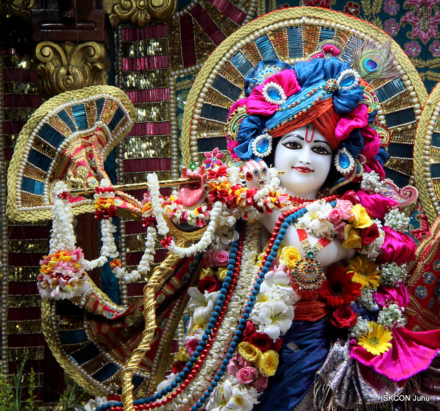 ISKCON Juhu Sringar Deity Darshan on 22nd Oct 2019