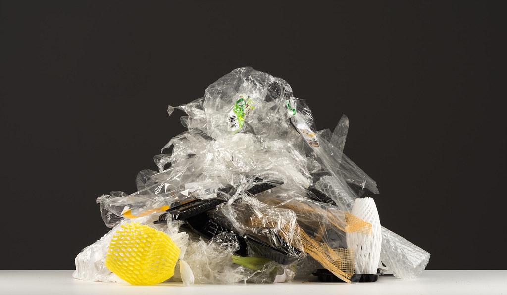 根據調查,九大企業有近八成的產品都有塑膠包裝。綠色和平提供
