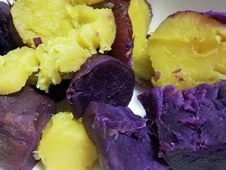 さつまいもの季節到来♬:真鍋和孝さんのまなべ農園のさつまいも(2019年秋) パープルスイートロード&シルクスイート&赤水菜