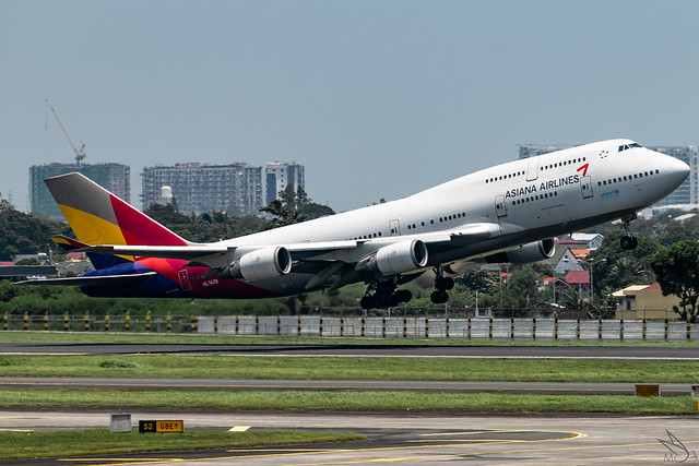 Asiana Airlines - Boeing 747-48E / HL7428 @ Manila