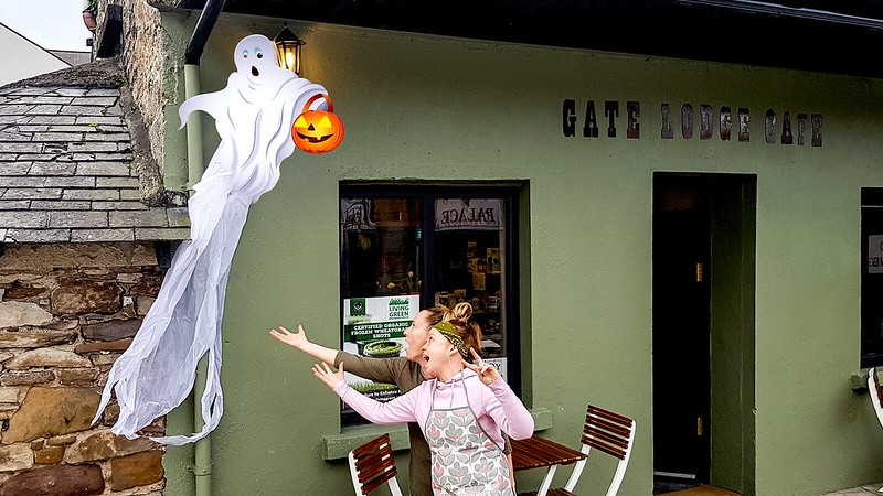 Gate-Lodge-Cafe-Halloween