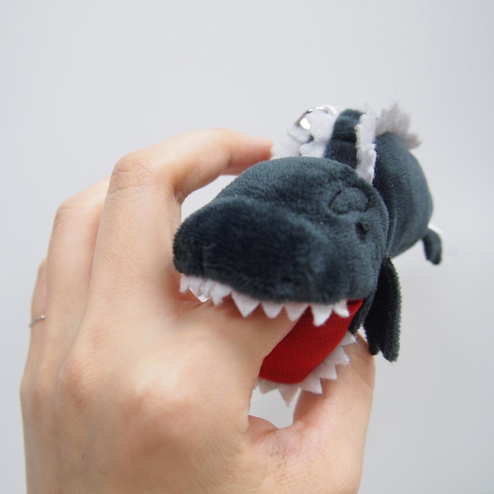 出門不會再找不到鑰匙啦!GODZILLA STORE 「咬手指鑰匙圈」系列 (指噛みつきキーホルダー ゴジラ/ モスラ / 第2形態)