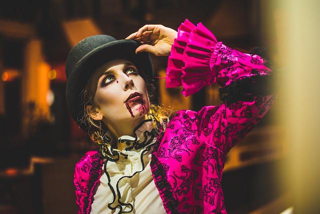 a vampire - Inex Cirkus Teatar