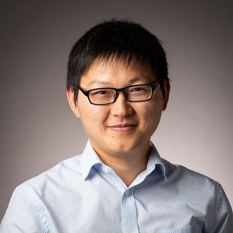 Head shot of Dr Zhongze Wu