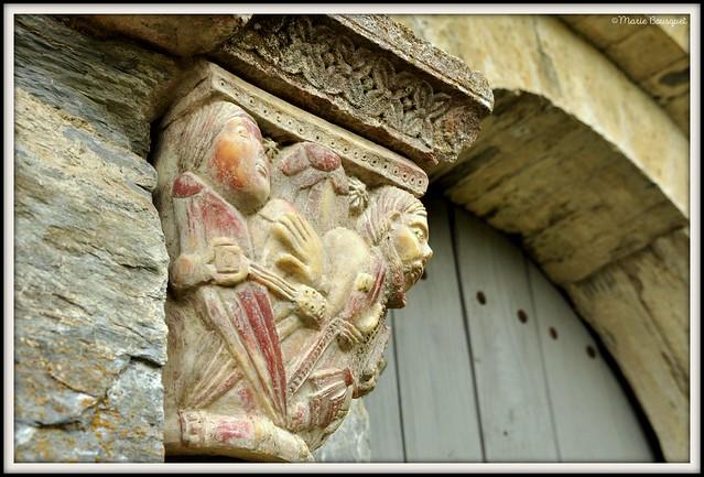 Chapiteau extérieur du prieuré de Serrabone