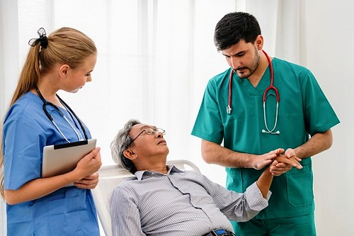 5 Issues that Often Lead to Rehospitalization for Aging Adults