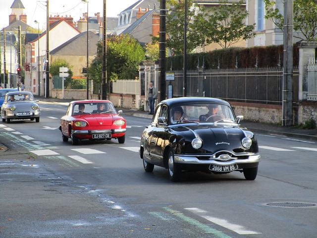 1954-1959 Panhard Dyna Z 2868 VM 85 - 27:09:1967 Panhard 24 DJ-627-CB & 01:04:1963 Panhard PL 17 805 BHM 44 - 21 octobre 2019 (Blois)