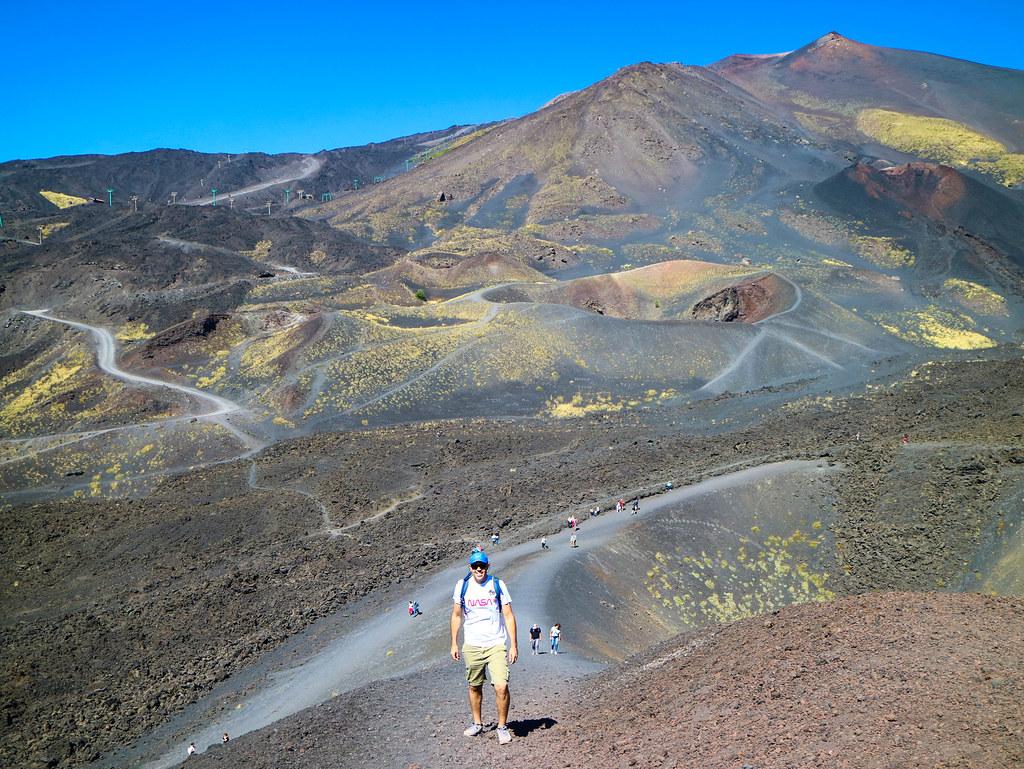 Ascenso al volcán Silvestri superior
