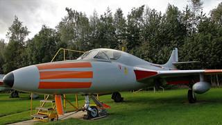 XL569 HAWKER HUNTER AEROPARK (2)