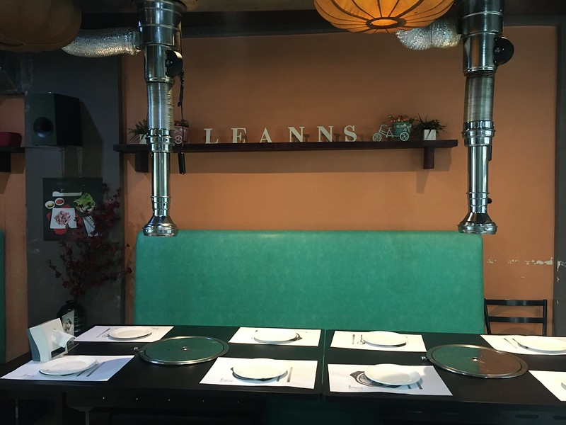 Leann's Teahouse, Tomas Morato