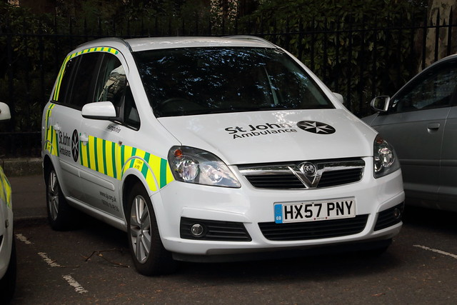 HX57PNY Vauxhall Zafira of St John Ambulance
