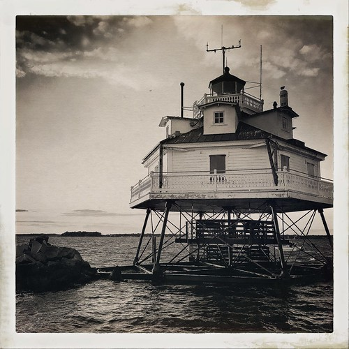 Thomas Point Shoal Lighthouse | by tinscho