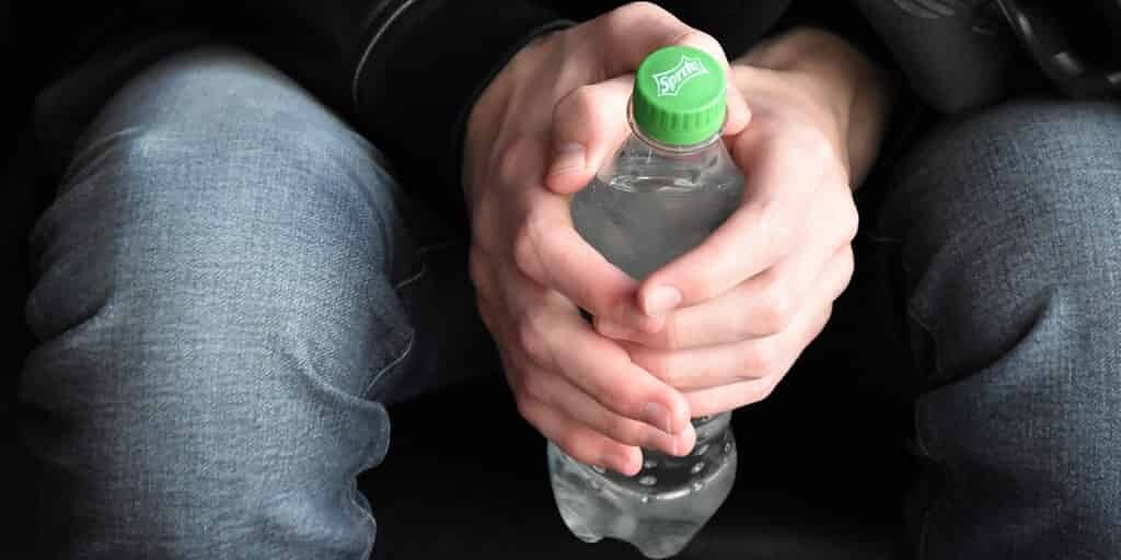 les-bouteilles-plastiques-recyclées-en-filtres-chimiques