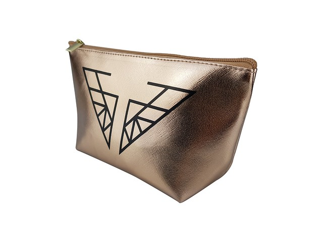 CA_Cosmetic_Bag_02