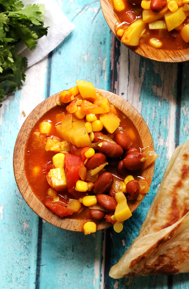 Indian Curry Chili with Toasted Naan Croutons