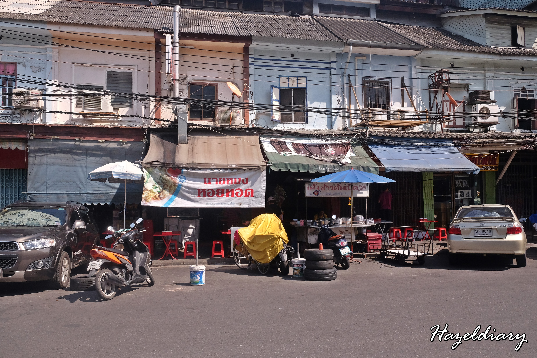 Nai Mong Hoy Tod -Oyster Omelette-Bangkok-Thailand-3