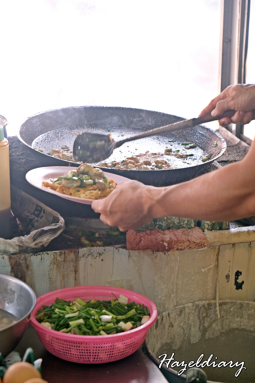 Nai Mong Hoy Tod -Oyster Omelette-Bangkok-Thailand-1