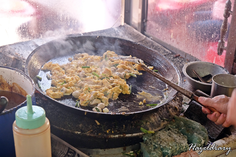 Nai Mong Hoy Tod -Oyster Omelette-Bangkok-2