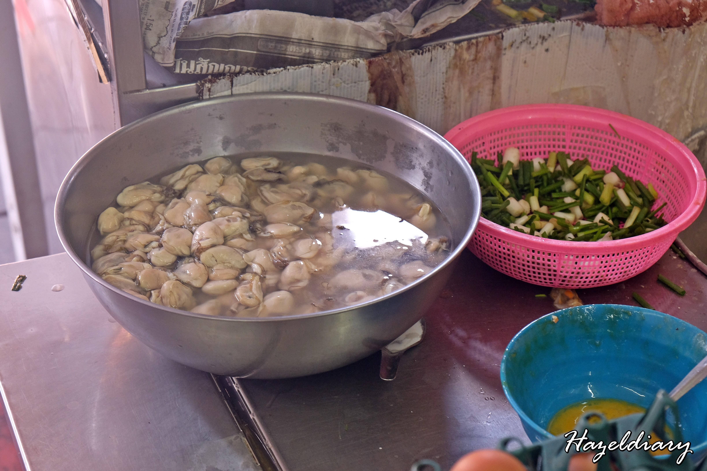 Nai Mong Hoy Tod -Oyster Omelette-Bangkok-1