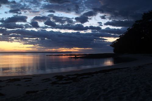 sunrise huskisson huskissonbeach jervisbay nsw australia clouds reflection beach sea bay